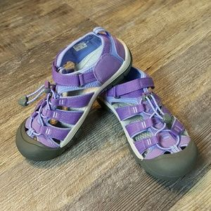 KEEN sandals purple kids washable size 5 New